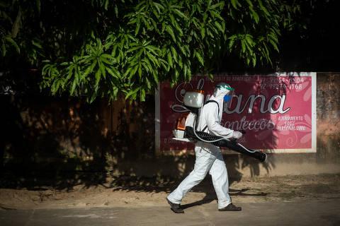 Novos casos de coronavírus por 100 mil brasileiros se multiplicam por 13 em 12 semanas