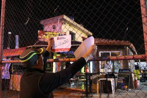 Fiscais interditam 75 bares e restaurantes na 1ª semana de horário estendido em SP