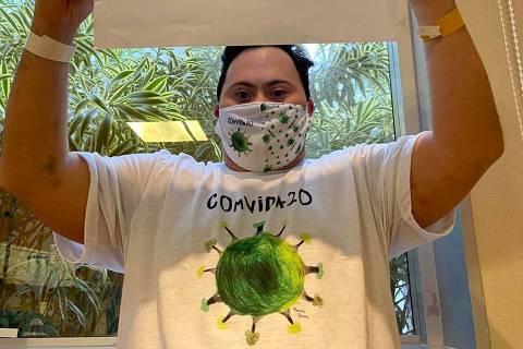 RIO DE JANEIRO,RJ - 02/07/2020 - Depois de 23 dias internado pela Covid-19, Alan Boggiss, que tem síndrome de Down, recebeu alta nesta quinta-feira (2) do Hospital Pró-Cardíaco no Rio de Janeiro. (Foto: Hospital Pró-Cardíaco / Divulgacao)