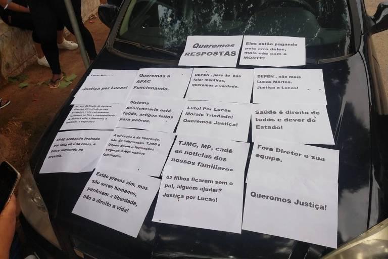 Familiares de presos protestam em frente ao presídio de Manhumirim (MG) depois de morte que está sob investigação