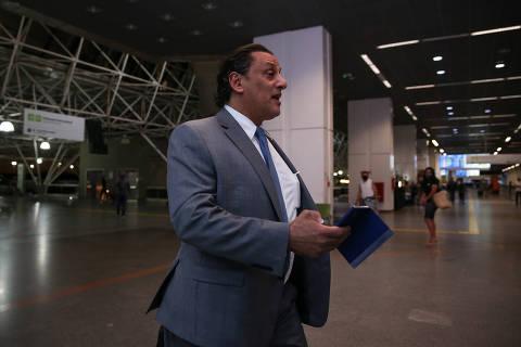 Wassef se diz diferente dos Bolsonaros e vê falta de bom senso em Queiroz
