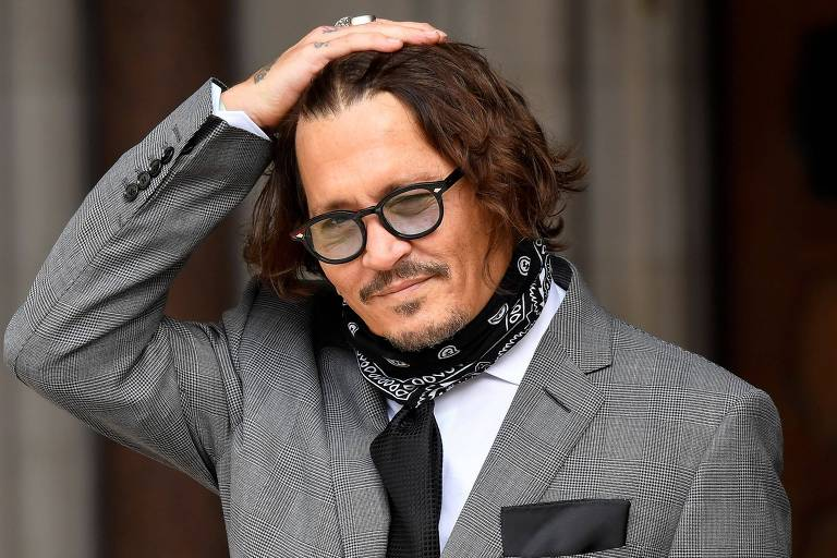 Ator Johnny Depp chega à Suprema Corte de Londres para prestar depoimento