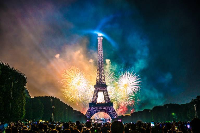 Torre Eiffel, onde acontece o 'Concerto de Paris', que será transmitido ao vivo no Dia da Bastilha