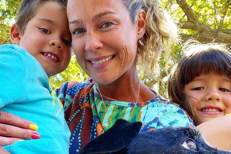 Luana Piovani com os filhos Bem e Liz