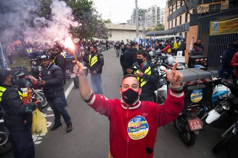 Motoboys protestam por aumento das taxas em SP e fazem audiência com empresas