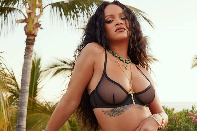 Rihanna anuncia expansão da marca FENTY com linha de sapatos e produtos para pele