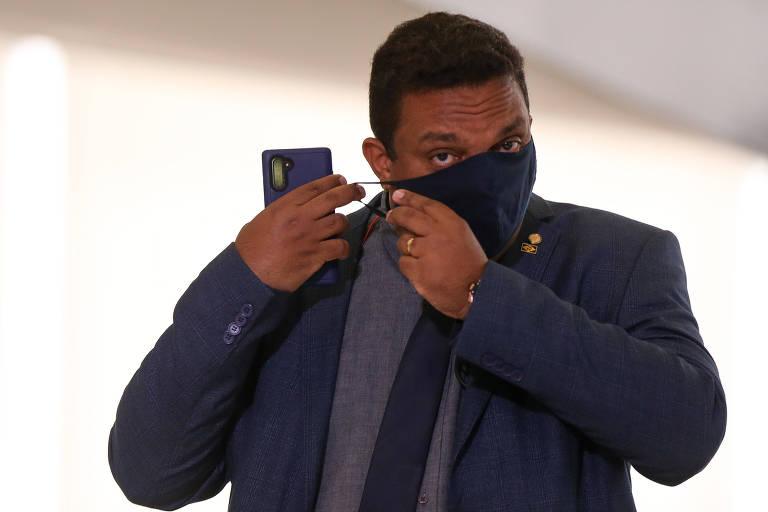 'Crivella não vai ser reeleito', disse deputado hoje aliado do candidato a prefeito do Rio