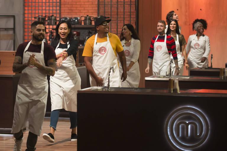 Episódio 1 da nova temporada do Masterchef 2020 com os participantes Cilene, Hailton, Jéssica, Ali Philipe, Thiago Henrique, Cecília, Claudia e Saulo