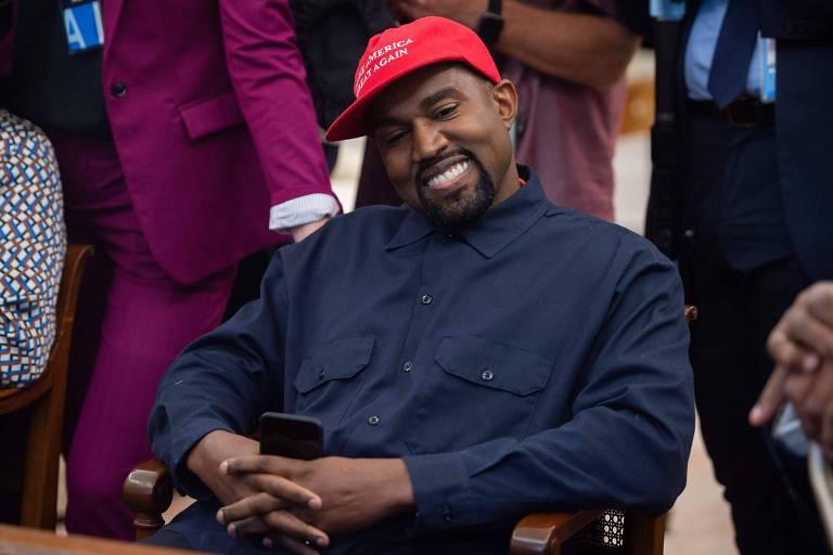 Kanye West desiste de candidatura à presidência dos EUA após pesquisa, diz site