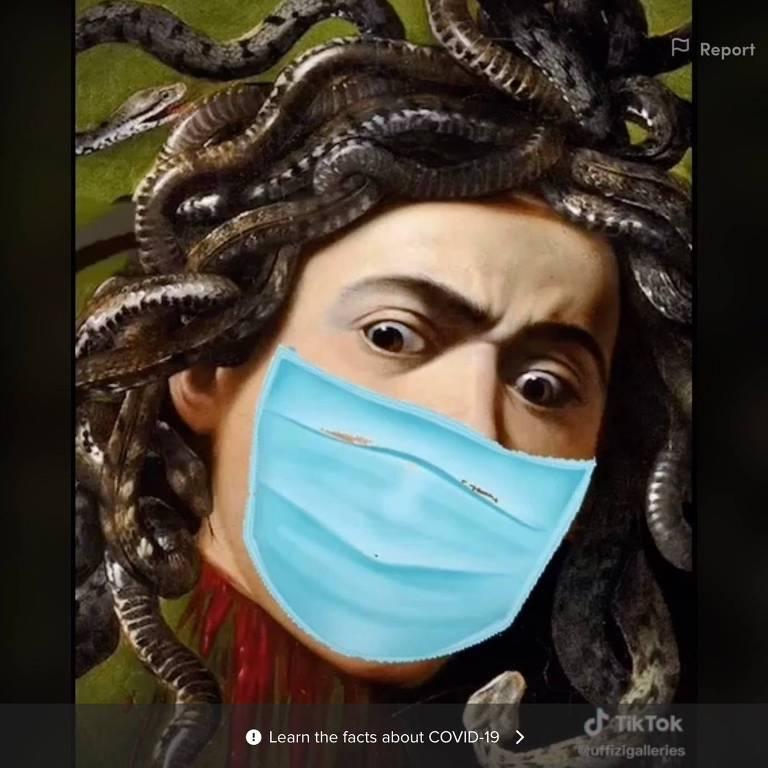 """""""Medusa"""", um quadro de Caravaggio, com máscara em um vídeo de Tik Tok na conta da galeria Uffizi, em Florença"""