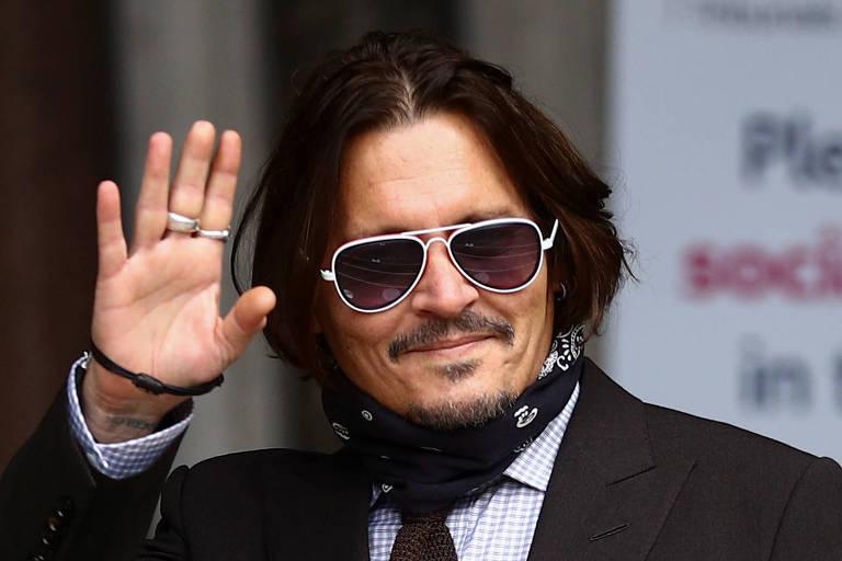 Johnny Depp é acusado de escrever nome da ex-mulher com urina em paredes e tapetes