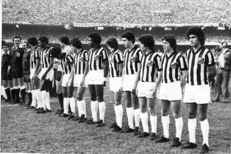 Time do Santos perfilado antes da decisão do Campeonato Paulista de 1978, contra o São Paulo