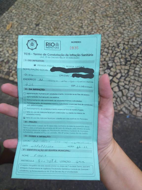 Detalha do papel de uma multa