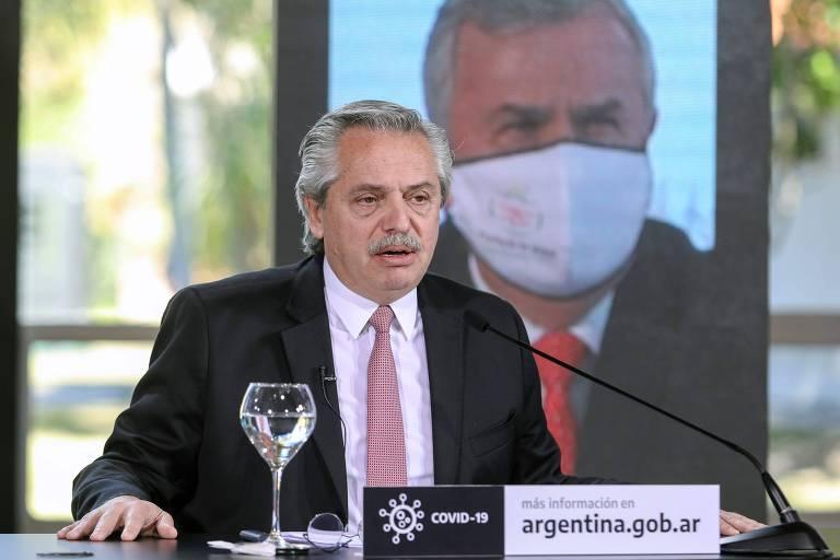 O presidente da Argentina,  Alberto Fernandez, anunciando medidas de combate à pandemia