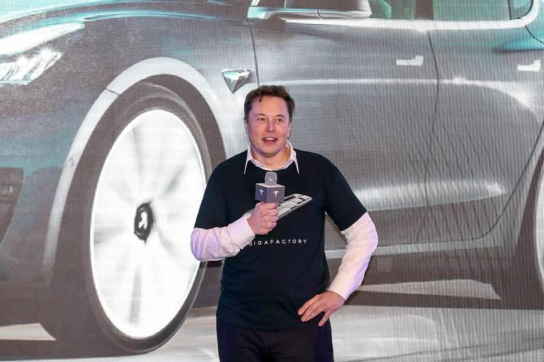 Elon Musk diz que já procurou o presidente da Apple para vender a Tesla