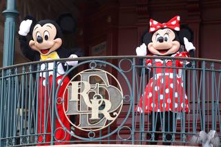 Disneyland Paris re-open doors to the public