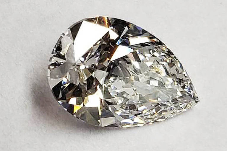 Pedra preciosa transparente