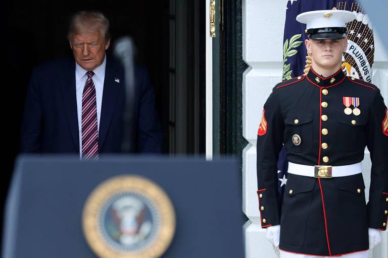 Donald Trump chega a evento na Casa Branca, na quinta-feira (16)