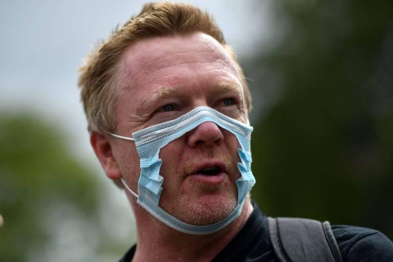 França e Reino Unido anunciam multas para quem estiver sem máscara