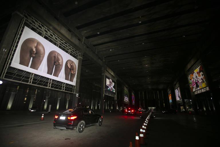 Depois dos drive-ins, surge mostra de arte exclusiva para carros