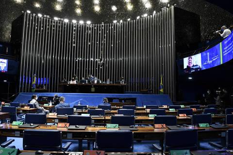Congresso barra ampliação do BPC e derruba 5 vetos de Bolsonaro