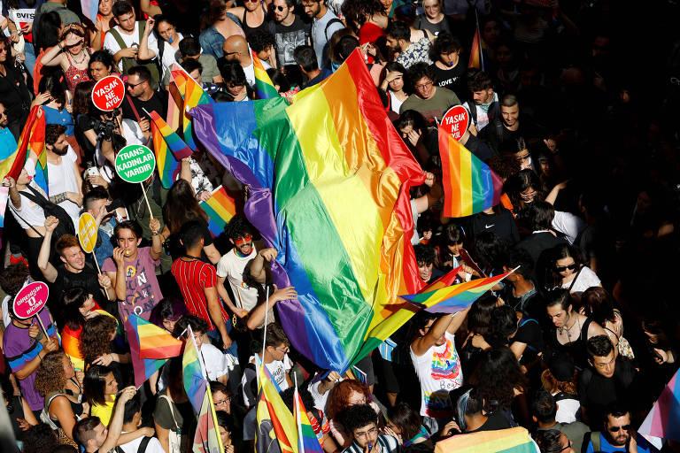 Protesto do Orgulho LGBT+ em Istambul, na Turquia, em 30 de junho de 2019