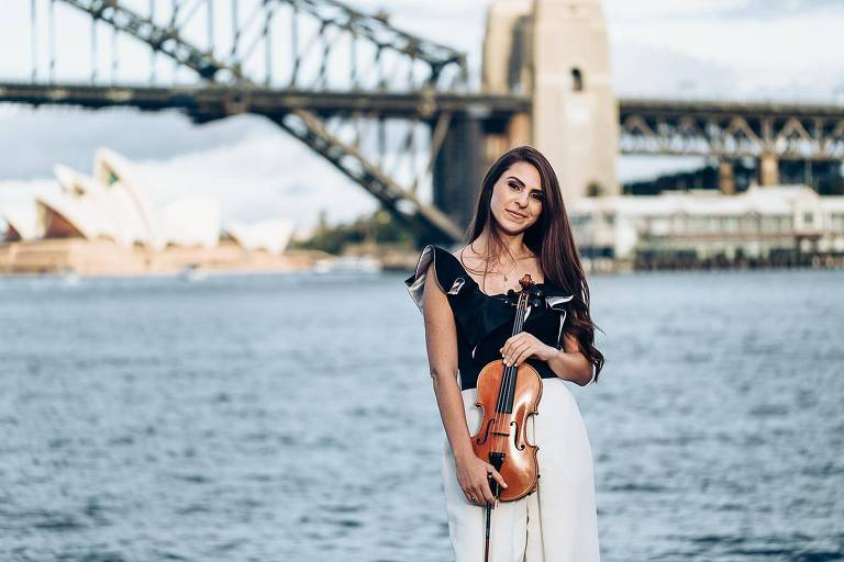 A brasileira Anna Murakawa, 30, que vive em Sydney há quatro anos e tenta se manter na Austrália com um visto para artistas internacionais