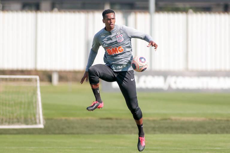 Jô foi a principal novidade de Corinthians durante a pausa na temporada