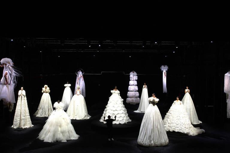 Apresentação de coleção do grupo Valentino nos estúdios Cinecitta, em Roma