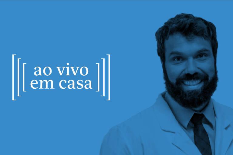 Médico sorri