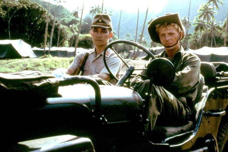 Veja cenas de Furyo: Em Nome da Honra (1984)