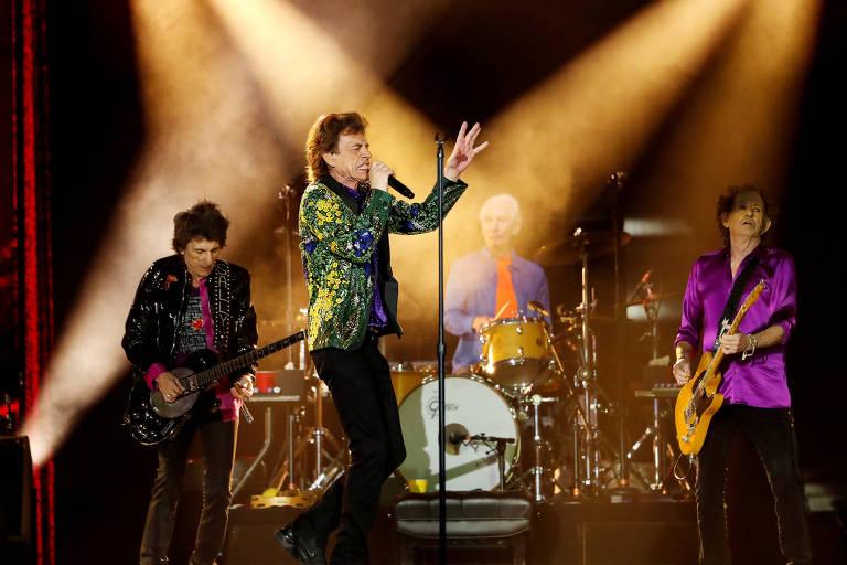 Rolling Stones durante show em Pasadena, na Califórnia