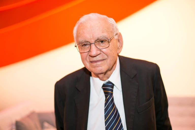 O engenheiro Ozires Silva