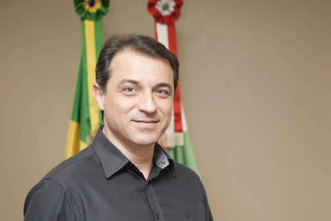 Governador Carlos Moisés é absolvido em processo de impeachment e segue no cargo em SC