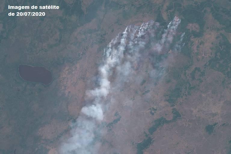 Nuvens de queimada