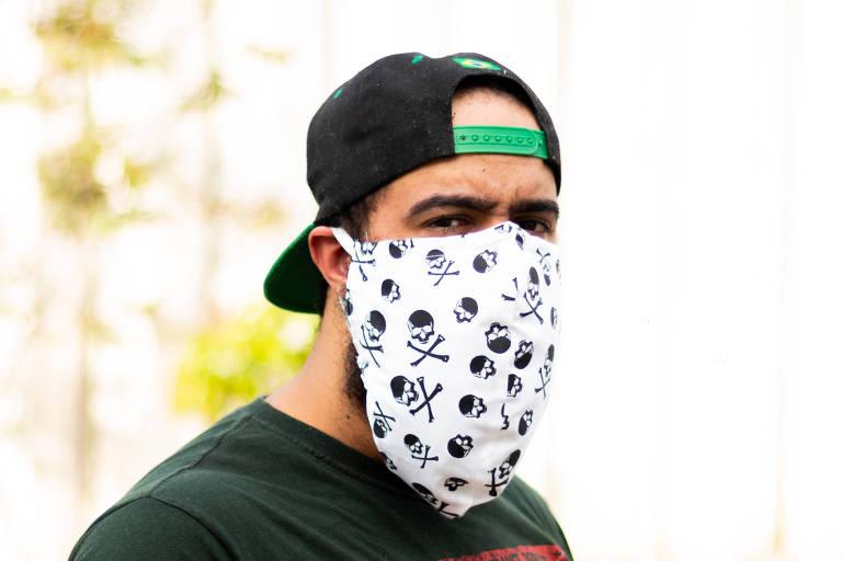 Marcas criam máscara para barbudos