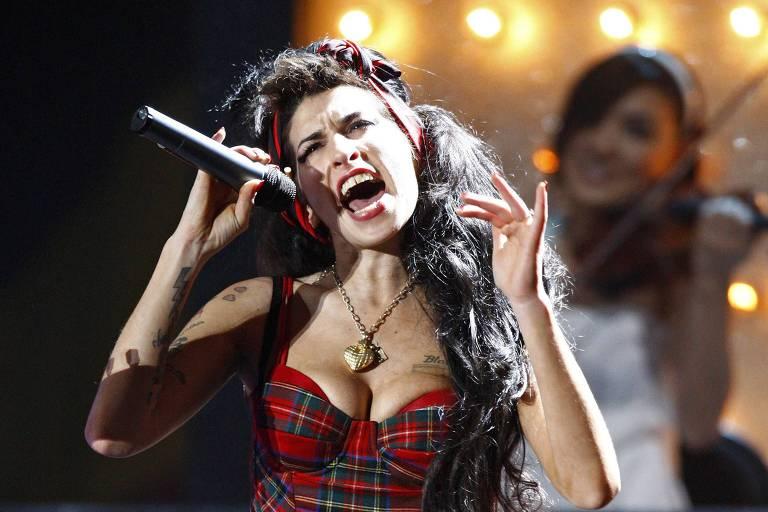 Amy Winehouse no Brit Awards em 2008