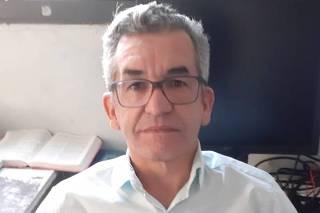 Jersone Azevedo reclama do sinal de internet da Claro