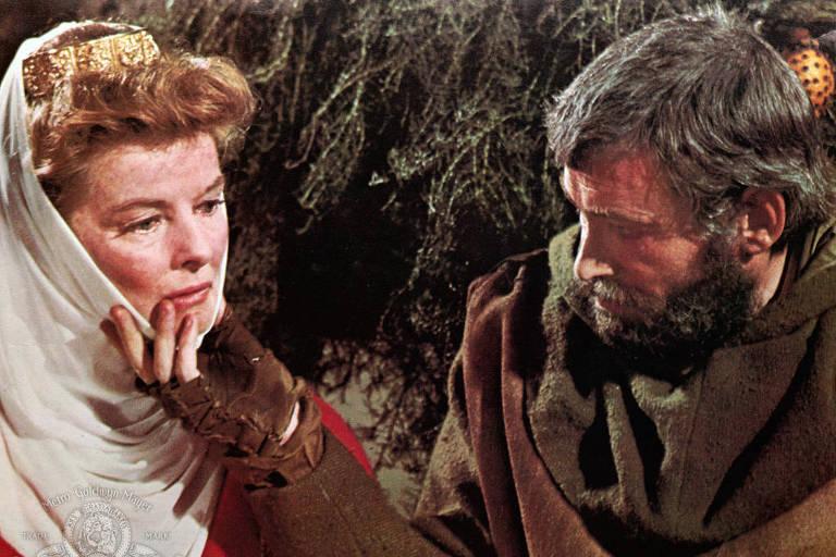 """Katharine Hepburn e Peter O'Toole no filme """"O Leão no Inverno"""" (1968)"""