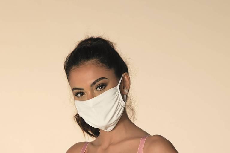 Máscara da fabricante de lingeries DeMillus, que já vendeu mais de 4 milhões de unidades durante a pandemia