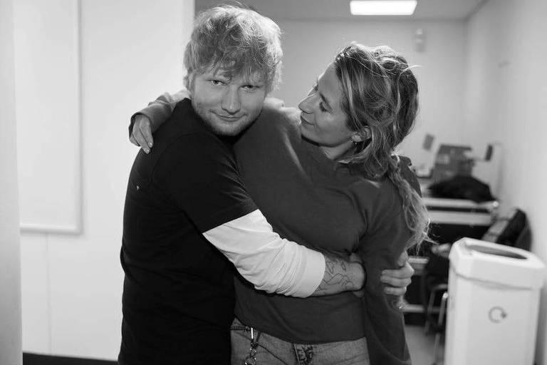 Ed Sheeran com a esposa Cherry Seaborn