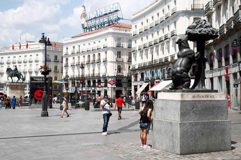 Madri fecha marco zero para carros e abre áreas a pedestres mesmo após troca de gestão