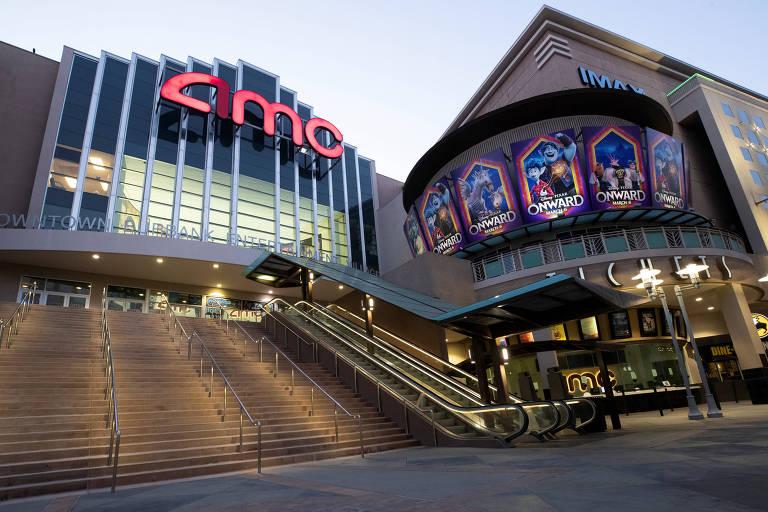 Cinema da rede AMC, em Burbank, na Califórnia