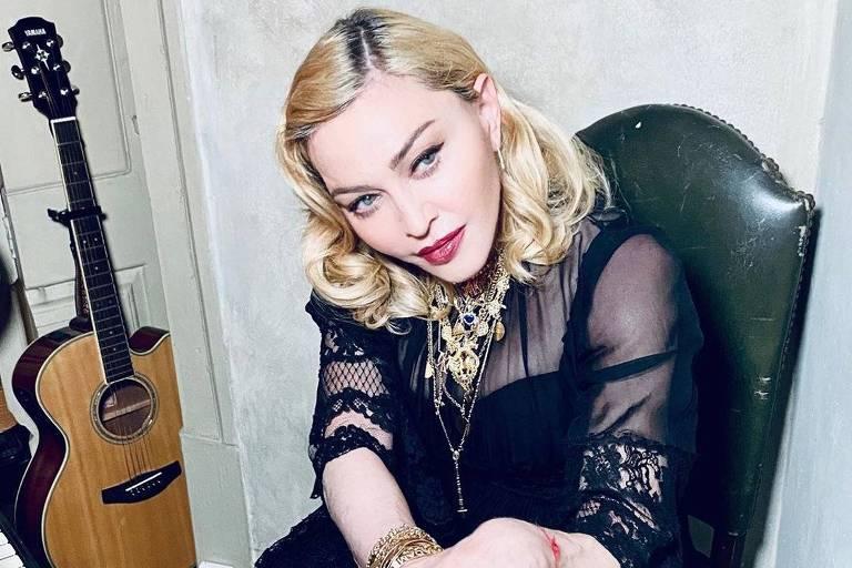 """Madonna lança um vídeo em defesa da Cloroquina e ganha selo de """"Fake News"""" no Instagram"""