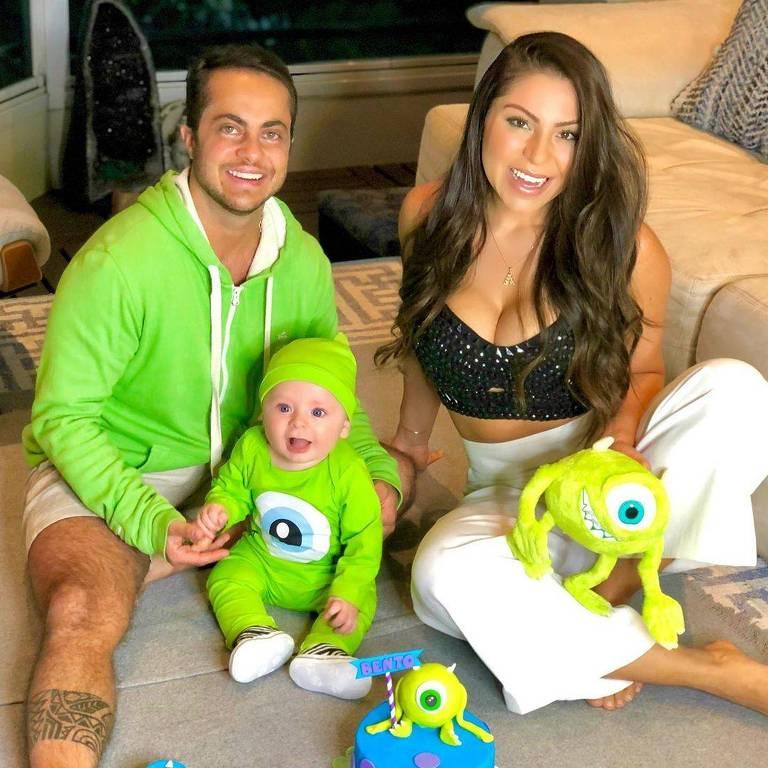 Imagens de Thammy Miranda a esposa  Andressa e o filho Bento