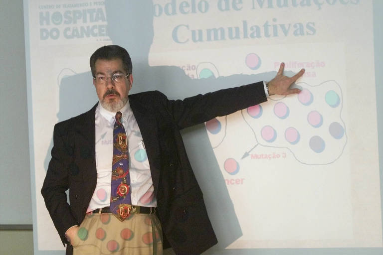 O geneticista Sérgio Danilo Pena