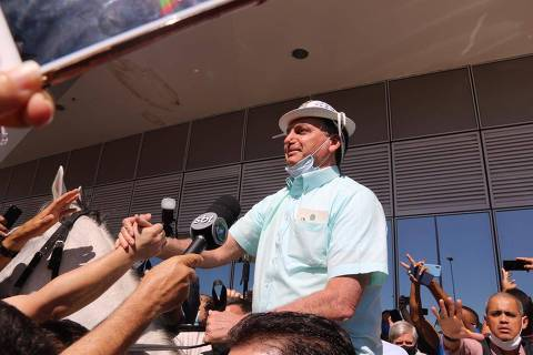 Aliados ligam aprovação de Bolsonaro a ações na pandemia, e oposição diz que mérito é do Congresso