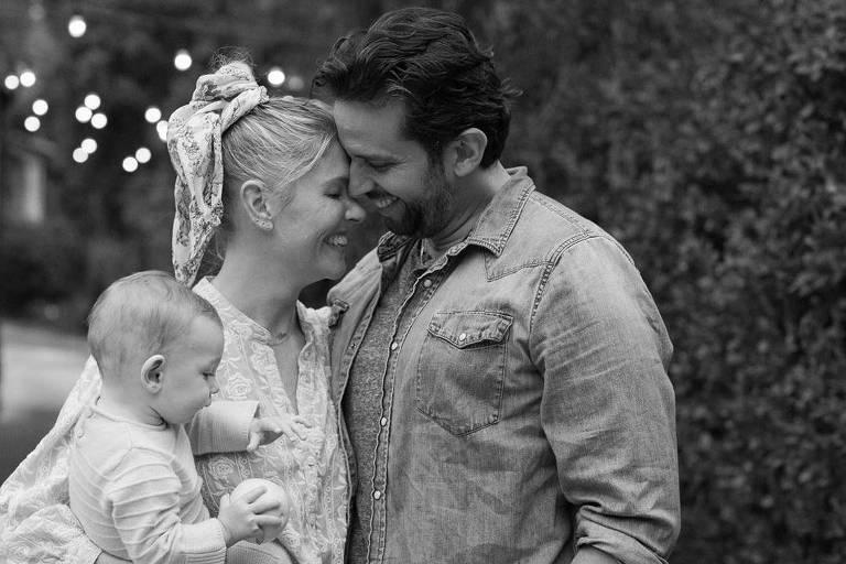 Amanda Kloots e Nick Cordero com o filho Elvis