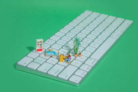 ***especial***  A nova realidade de hábitos e consumo - ilustração com miniaturas para home office, trabalho **datafolha** *exclusivo**