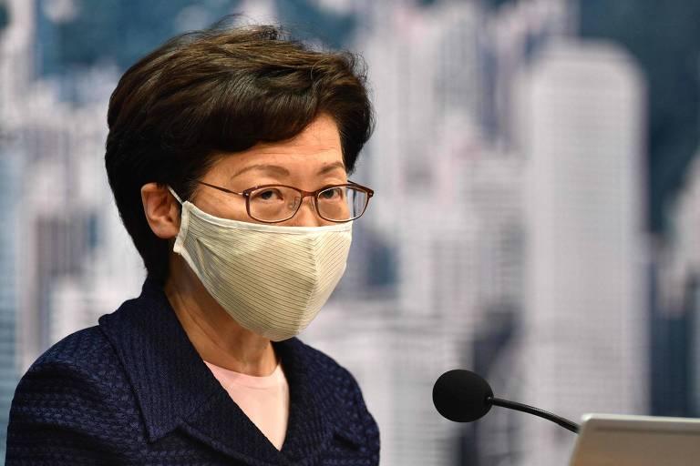 Carrie Lam, chefe-executiva de Hong Kong, durante anúncio do adiamento das eleições legislativas
